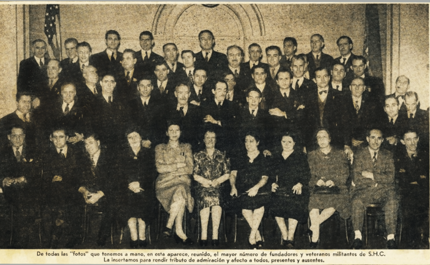 España Libre, Feb. 16, 1962:1. Founders' picture. From left to right: Jesús González Malo (11th first row); José Nieto Ruiz (4th second row​); Félix Martí Ibáñez (8th second row); Aurelio Pego (5th top row).